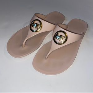Micheal Kors Lillie silicone pink thong sandal